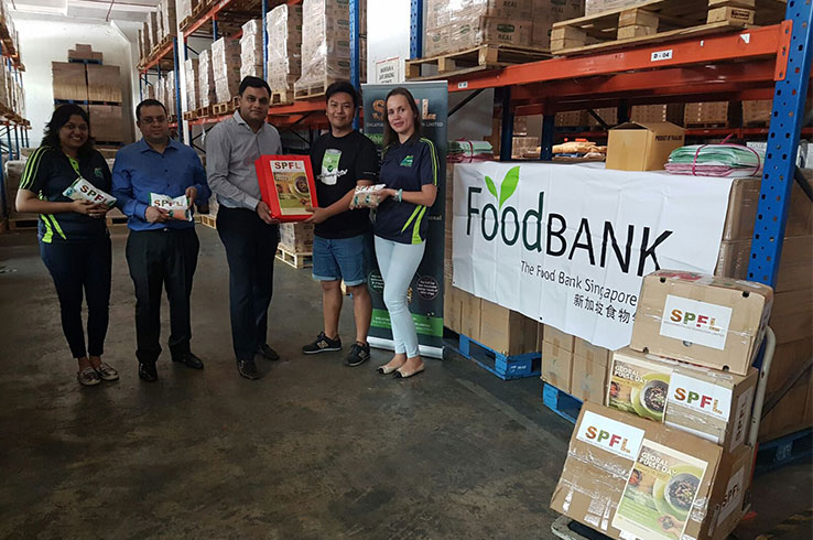 Singapore Pulses Federation Limited Team at Food Bank donating pulses