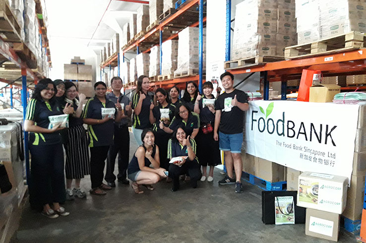 Agrocorp Team at Food Bank donating pulses