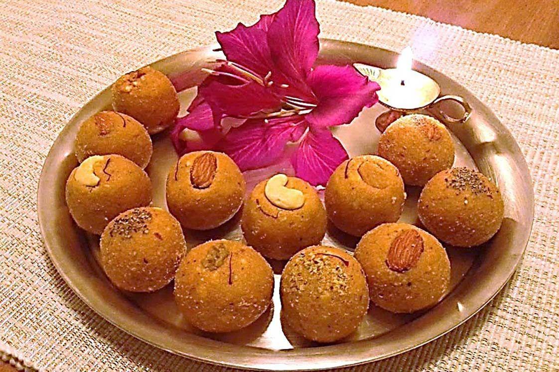 Besan Laddu (The Gram Lentil Flour Sweets)